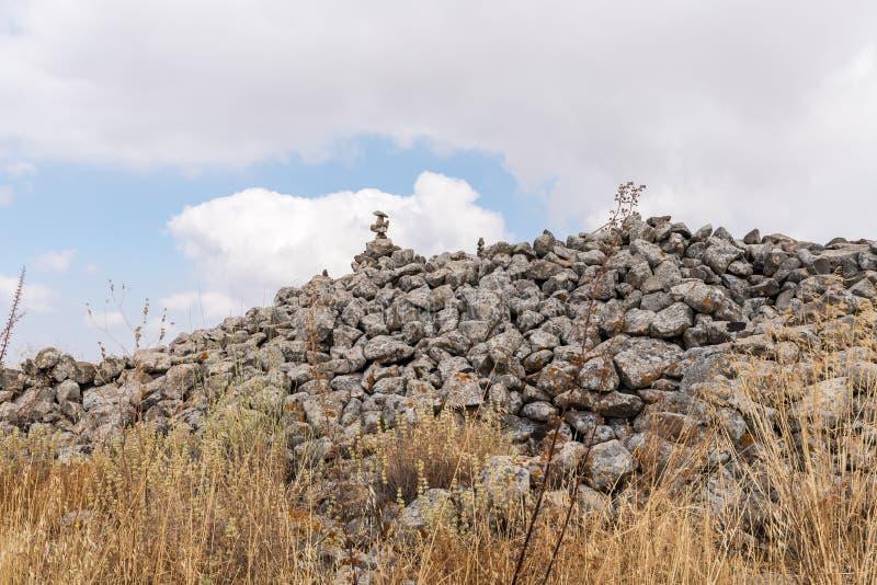 Les restes du complexe mégalithique des premières roues d'âge du bronzedes spiritueux, Al-Hiri de Rujum, Gilgal Rephaeem sur Gol image stock