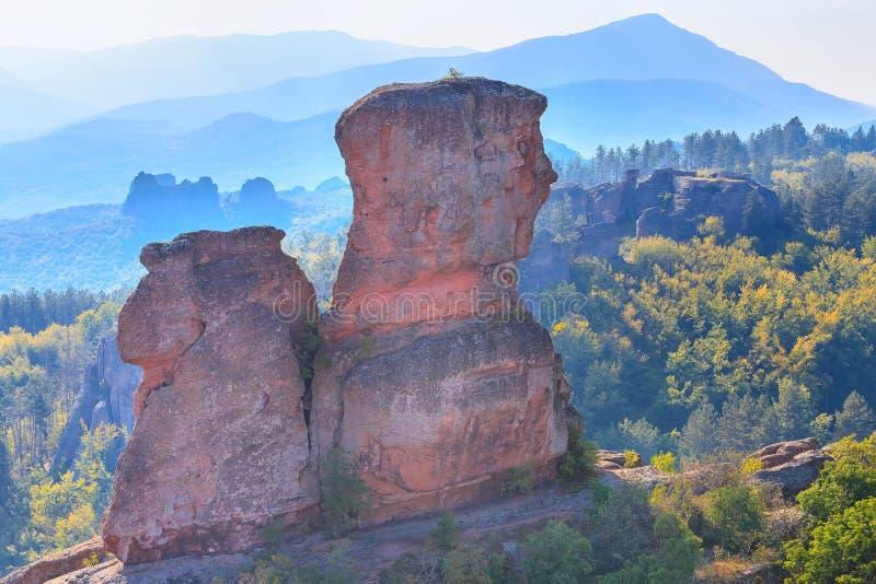 Les roches de falaise se ferment, Belogradchik, Bulgarie image stock
