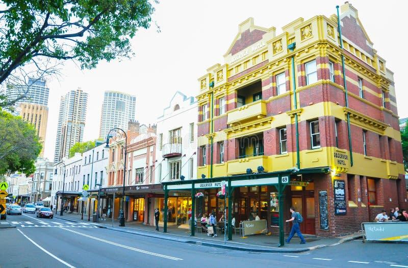 Les roches est une localité urbaine, une enceinte de touristes et un secteur historique de centre de la ville du ` s de Sydney images stock