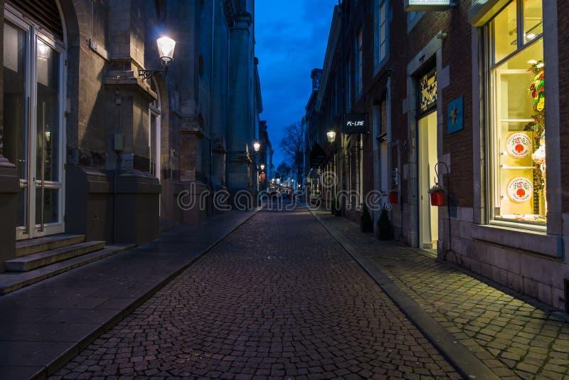 Les rues étroites d'achats au centre historique photo stock