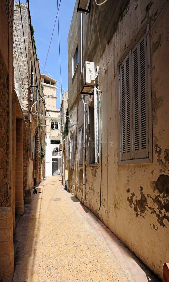 Les rues étroites du vieux pneu de ville, Liban photographie stock