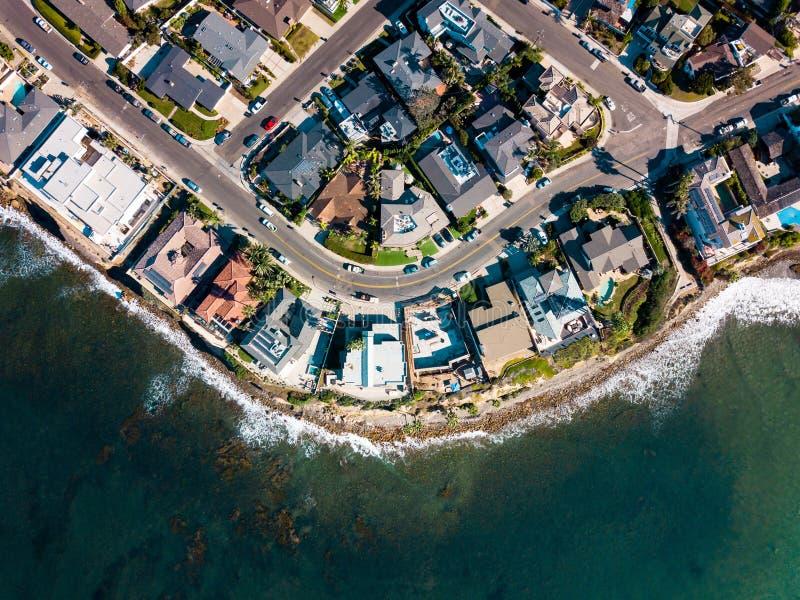 Les rues et les maisons de San Diego Pacific échouent l'antenne photos stock