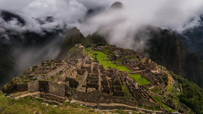 Les ruines célèbres d'Inca du picchu de machu au Pérou images libres de droits