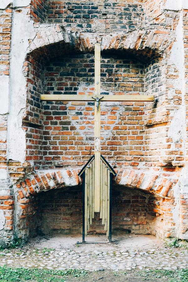 Les ruines de la chapelle du siècle XXII photographie stock libre de droits