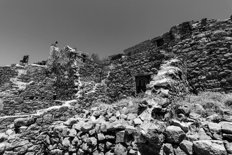 Les ruines de la forteresse vénitienne sur l'île de Spinalonga image libre de droits