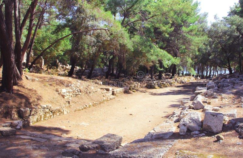 Les ruines de la vieille ville dans Phaselis photographie stock
