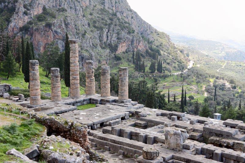 Les ruines du temple d'Apollo, Delphes photographie stock
