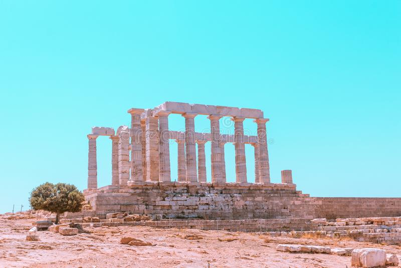 Les ruines du temple de Poséidon sur le cap Sounion photo libre de droits