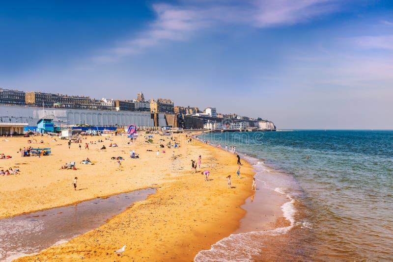 Les sables principaux le jour férié lundi de Pâques situé à l'est du port royal Un arénacé photos libres de droits