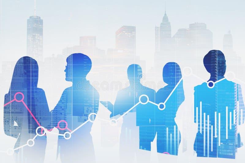 Les silhouettes d'hommes d'affaires dans la ville, représente graphiquement photo stock