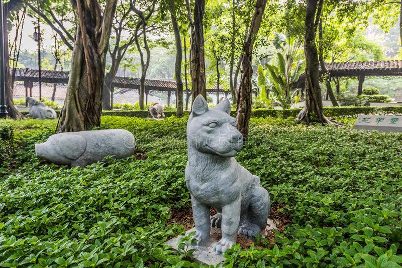 Les statues chinoises Kowloon de jardin de zodiaque ont muré le parc Hong Kong de ville photos stock