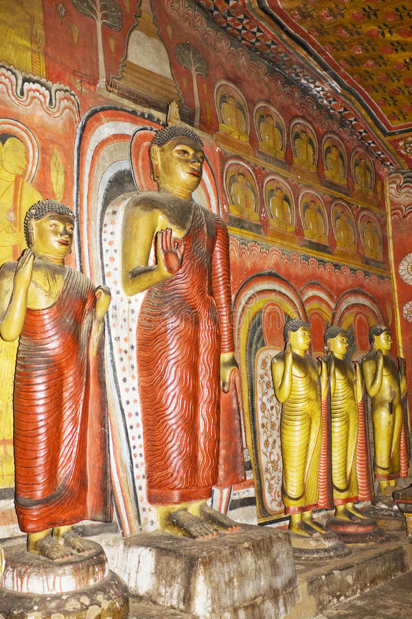 Les statues de Bouddha chez Dambulla oscillent le temple, Sri Lanka photographie stock