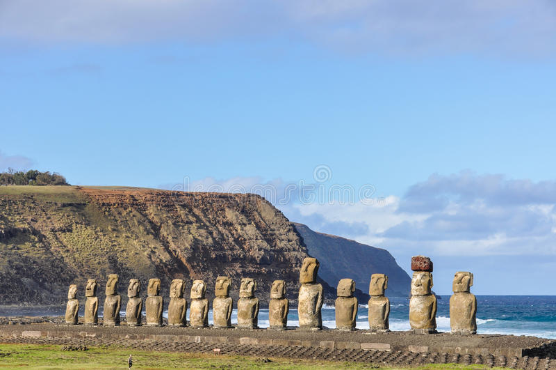 Les 15 statues de moai dans Ahu Tongariki, île de Pâques, Chili photo stock