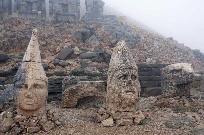 Les statues en pierre antiques sur le Nemrut montent, la Turquie images libres de droits