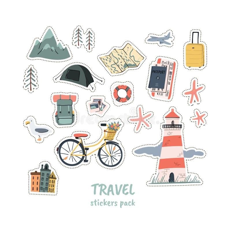 Les stikers de voyage emballent au sujet du camping de montagne hiing et vacances de plage La bande dessinée gribouille les illus illustration stock