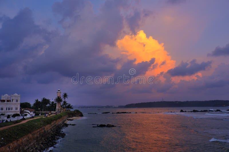 Les supports de phare de Galle gardent au-dessus de l'Océan Indien au coucher du soleil ; Côte du Sri Lanka photos stock
