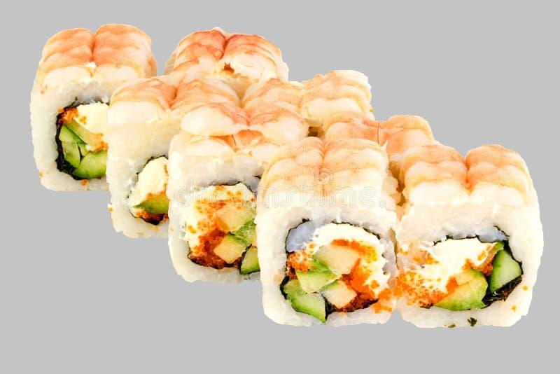 Les sushi de Philadelphie roulent le caviar de Masago de concombre de crevette avec Philadelphie images libres de droits