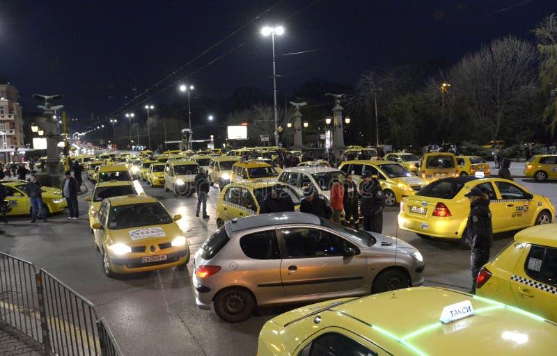 Les taxis bloquent le centre le 24 mars 2016 dedans à Sofia, Bulgarie photo stock