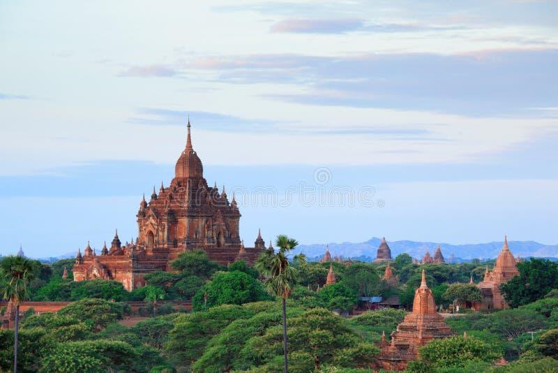 Les temples de bagan au lever de soleil, Bagan, Myanmar photo libre de droits