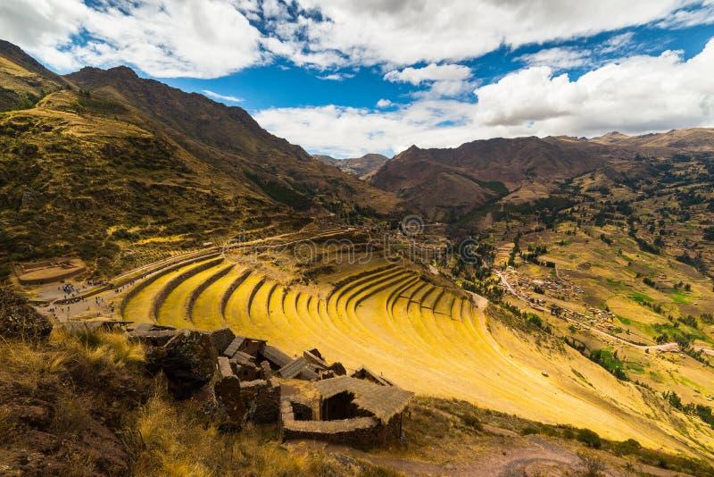 Les terrasses de l'Inca dans Pisac, vallée sacrée, Pérou image libre de droits