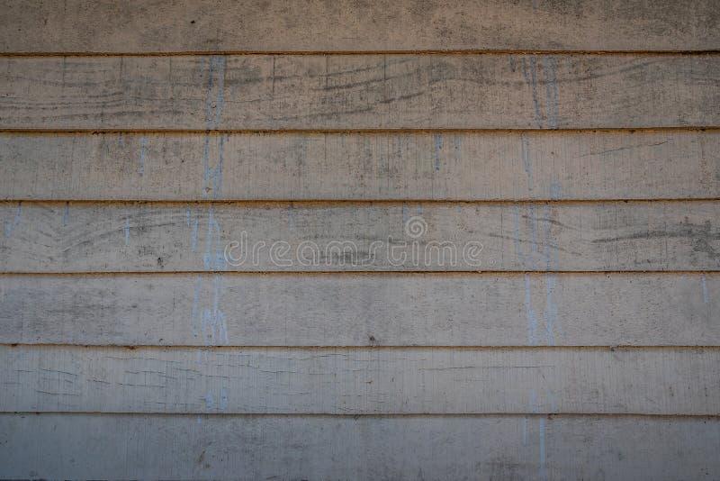 Les textures d?sordonn?es de fond de couleur ou les vieux papiers peints en bois ont ?tendu l'horizontal, brun, bleu-clair peint  photos libres de droits