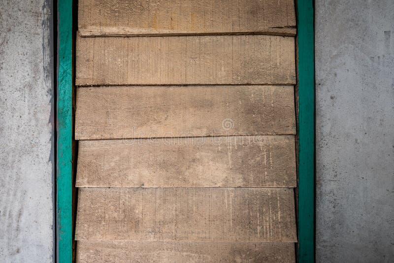 Les textures de fond ou les vieux papiers peints en bois ont étendu le vertical et horizontal, orange-clair et gris peint dans le photo stock