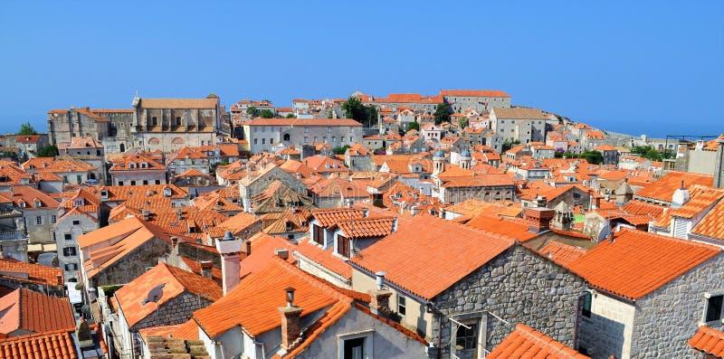 Les toits de la vieille ville de Dubrovnik photos stock