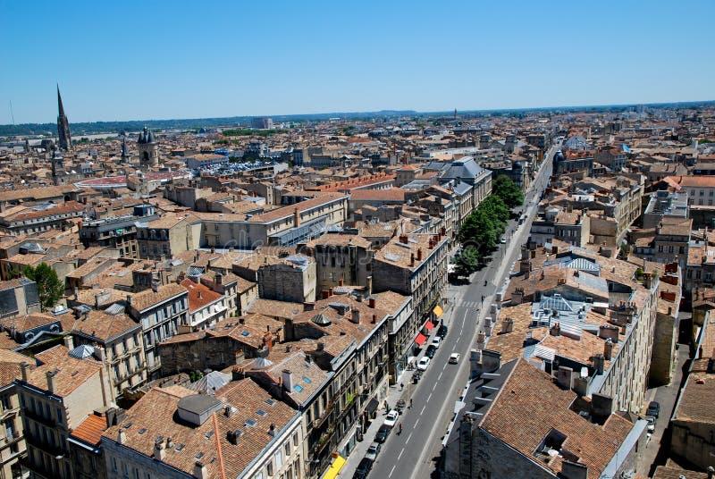 Les toits en Bordeaux images libres de droits
