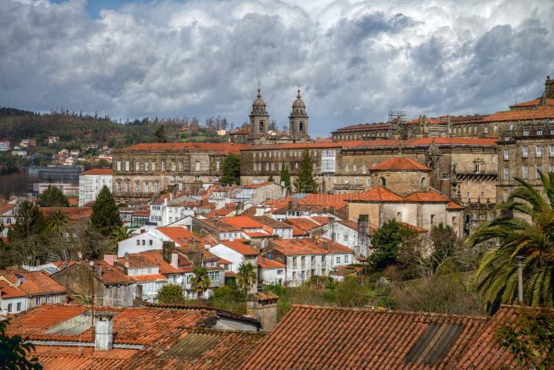 Les toits oranges de Santiago photographie stock
