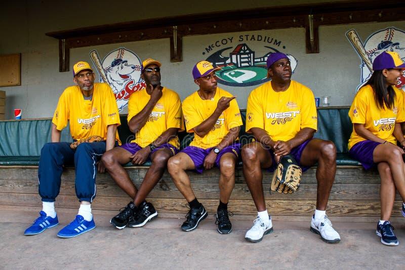 Les Tout-étoiles occidentales au jeu de Jeffrey Osborne Foundation Celebrity Softball photographie stock libre de droits