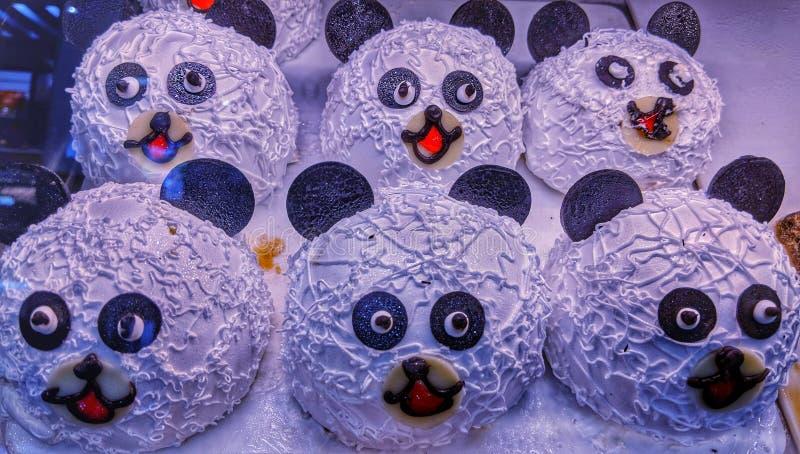 Les tranches de gâteau de panda géant photo libre de droits