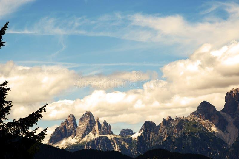 Les trois crêtes de Lavaredo, dans Cadore, montagnes de Dolomity, Italie image libre de droits