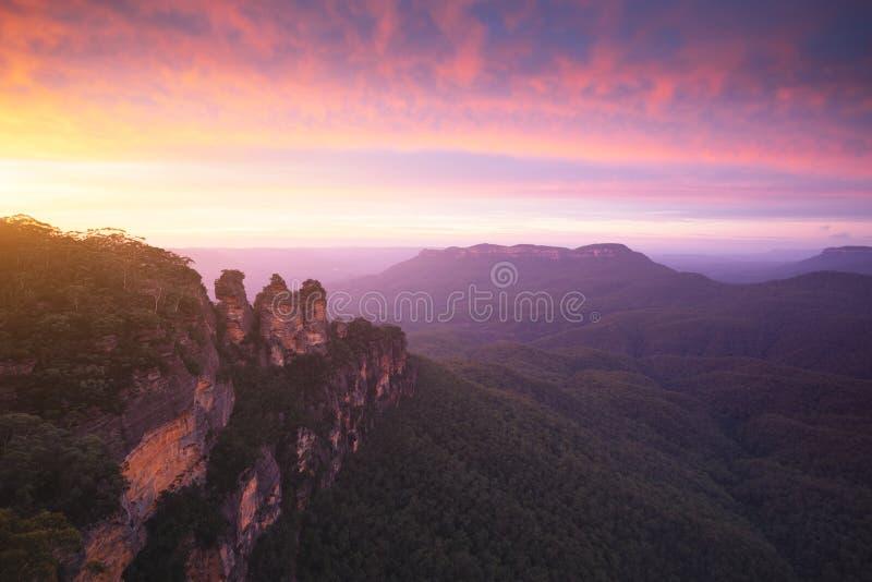 Les trois soeurs, parc national de montagnes bleues, NSW, Australie images libres de droits