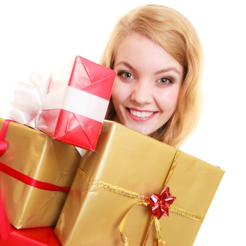 Download Les Vacances Aiment Le Concept De Bonheur - Fille Avec Des Boîte-cadeau Photo stock - Image du passionnant, bande: 45361544