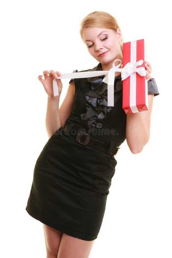 Download Les Vacances Aiment Le Concept De Bonheur - Fille Avec Le Boîte-cadeau Photo stock - Image du anniversaire, teen: 45361552