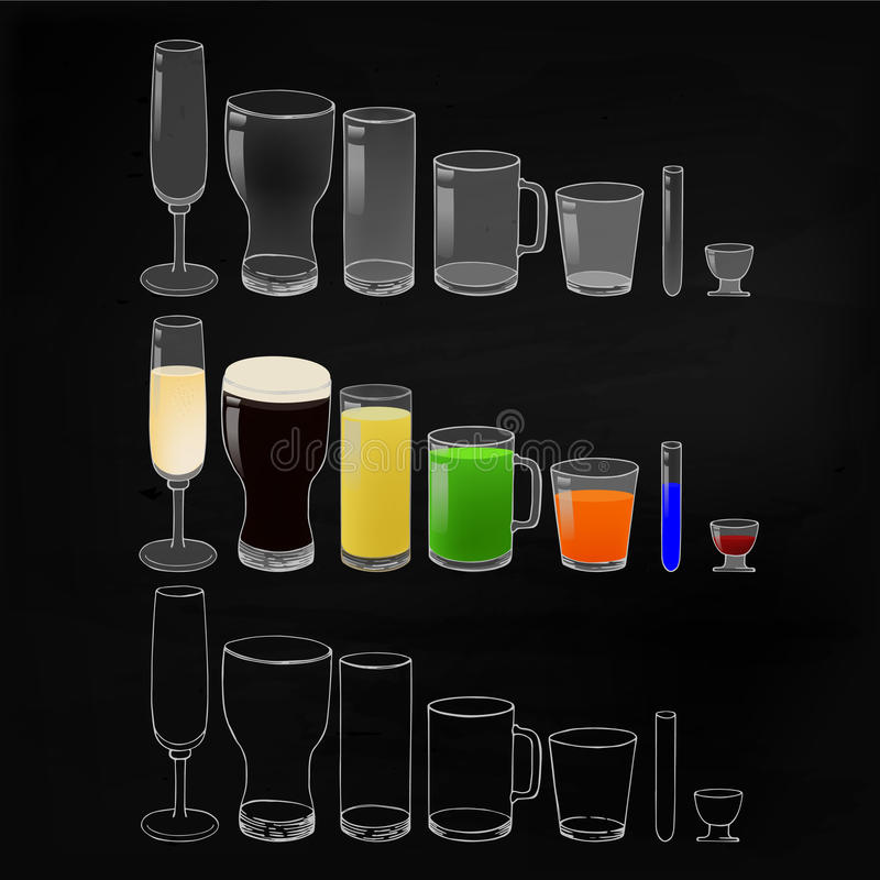 Les verres avec des boissons et vident sur le fond de tableau noir illustration stock