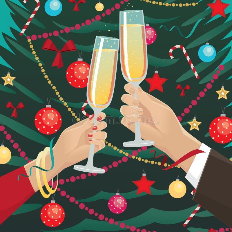 Les verres de tintement de couples s'approchent de l'arbre de Noël à l'intérieur illustration libre de droits