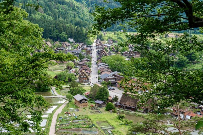Les villages historiques de Shirakawa-vont et Gokayama au printemps, point de repère de voyage du Japon photo libre de droits
