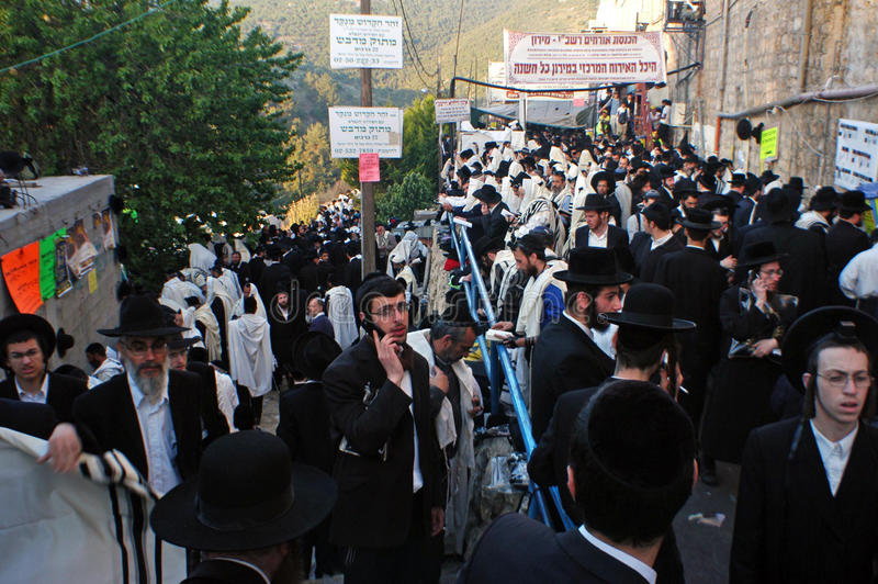 Les visiteurs célèbrent le retard B'Omer à la tombe de Rebbe Shimon Bar Yochai image stock