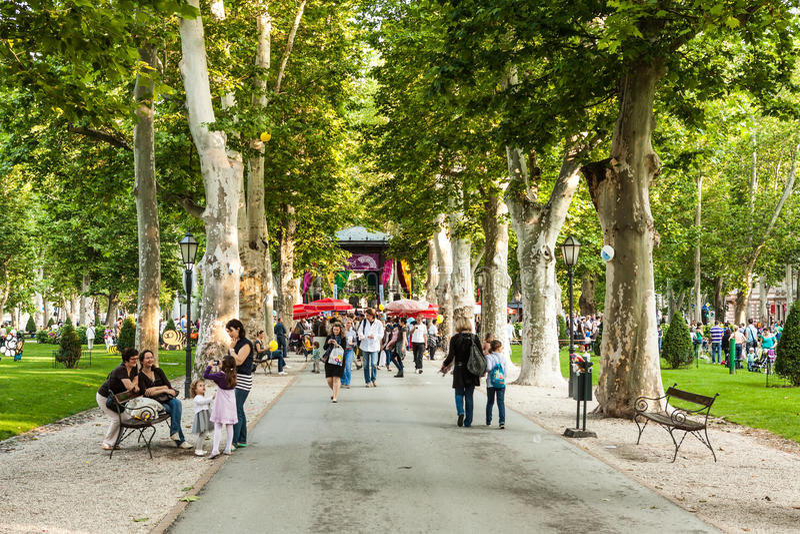 Les visiteurs pendant le 15ème Cest est le festival d'Best, Zagreb, Croatie photos libres de droits