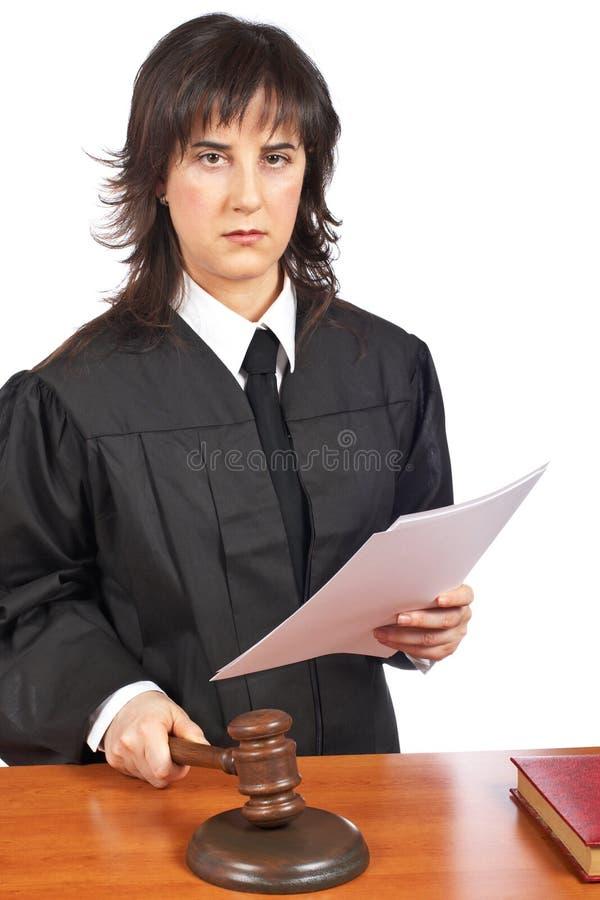 Lesen des Urteilsspruches stockfotos