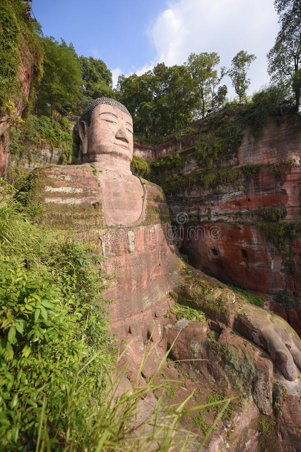 leshan buddha arkivfoton