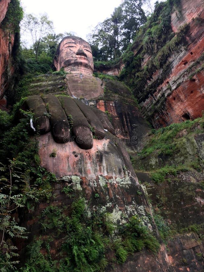 Leshan giganta Buddha kamień rzeźbi w prowincja sichuan w Chiny zdjęcie stock