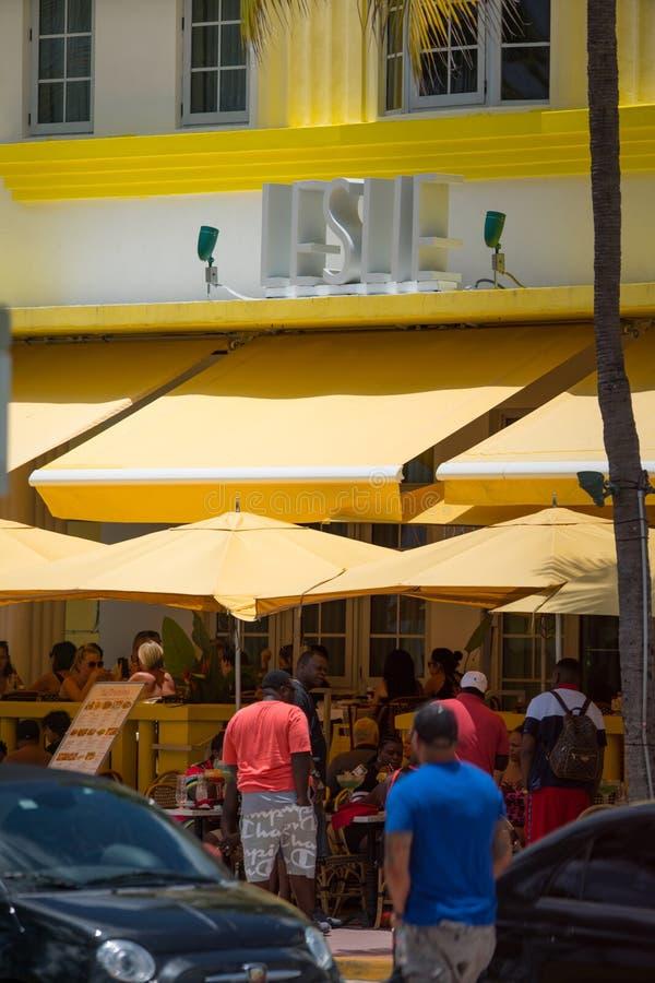 Leslie Hotel Miami Beach dat met een telelens wordt geschoten royalty-vrije stock afbeelding