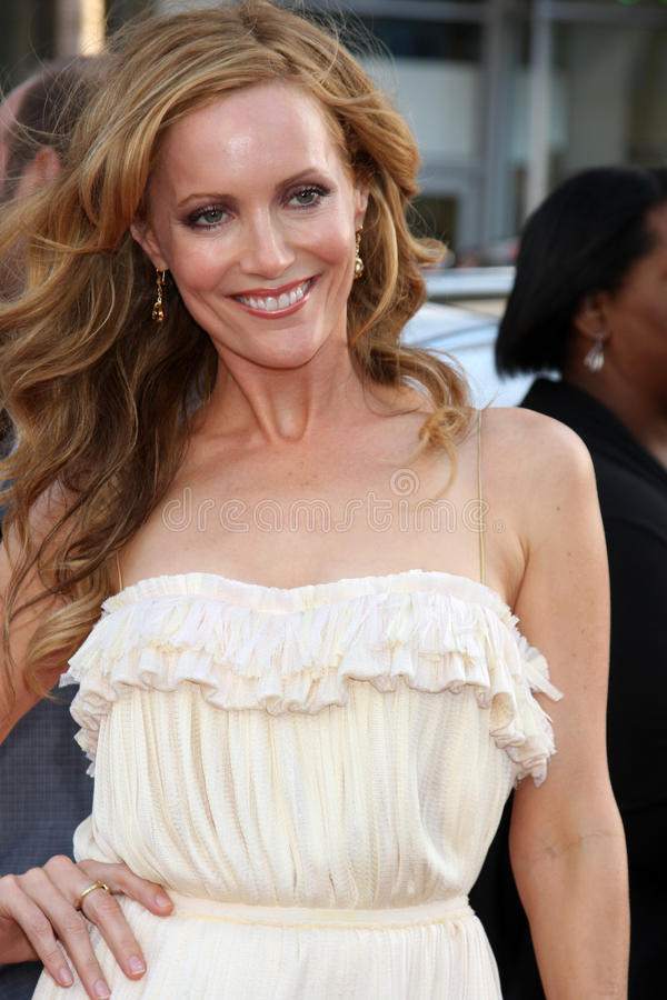 Leslie Mann. Arriving at the 17 Again Premiere at Grauman's Chinese Theater in Los Angeles, CA on April 14, 2009 stock photo
