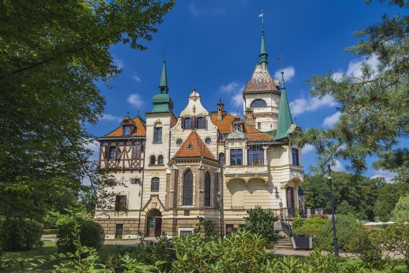 Lesnakasteel in Tsjechische Republiek royalty-vrije stock afbeelding