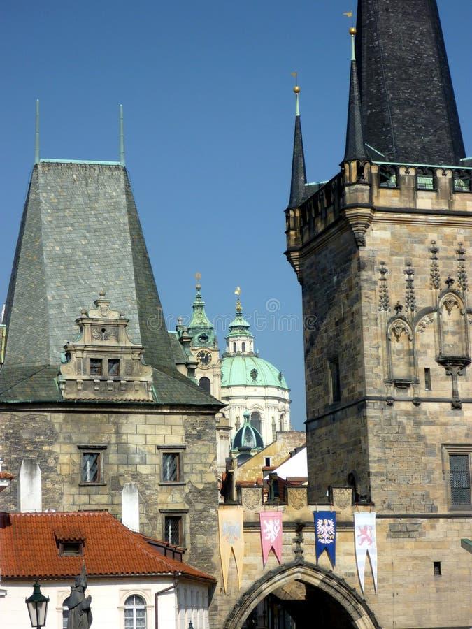 Lesser Quarter Bridge Arch en Toren, Praag, Tsjechische Republiek stock fotografie