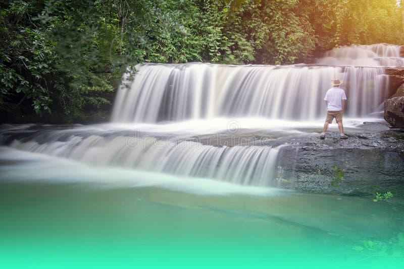 Let op de schoonheid van de waterval royalty-vrije stock foto