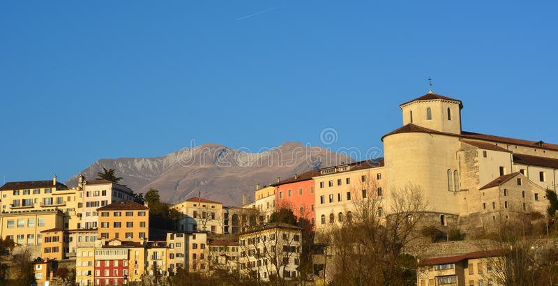 Letni dzień w Belluno, Włochy zdjęcia royalty free