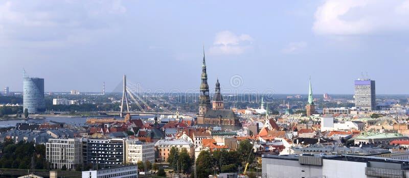 Letonia, Riga. Panorama de la ciudad. imagenes de archivo